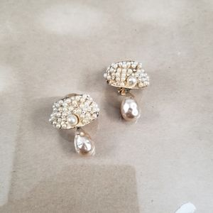 Gold Vintage Clip-on Earrings Pearls Crystals